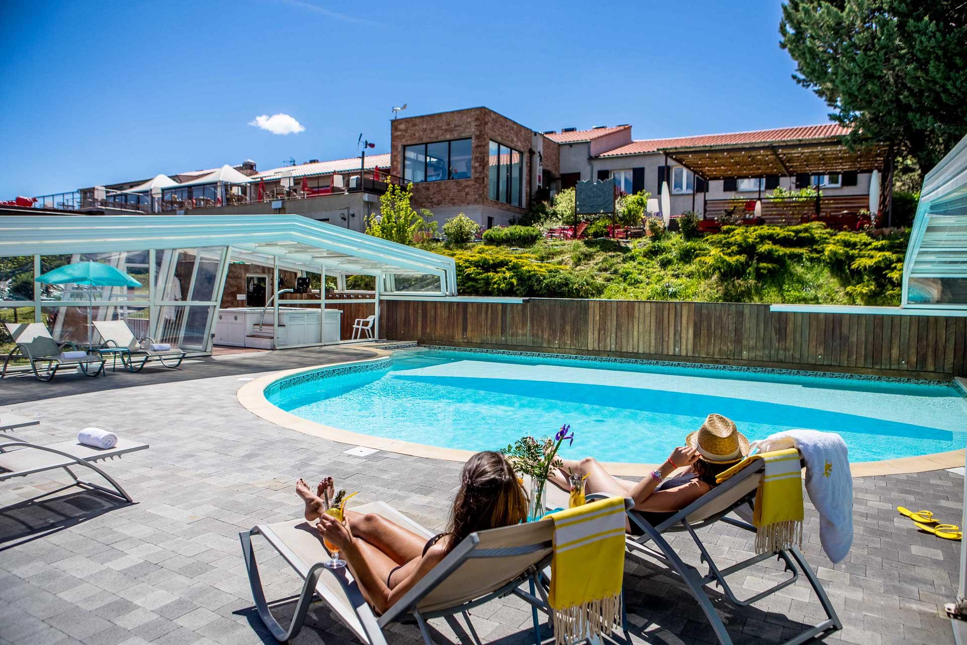 photos hotel lac de sainte croix avec piscine